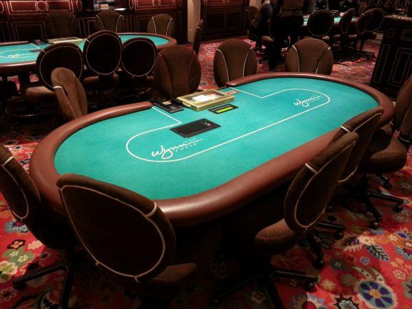 Качественная мебель для покера выглядит так