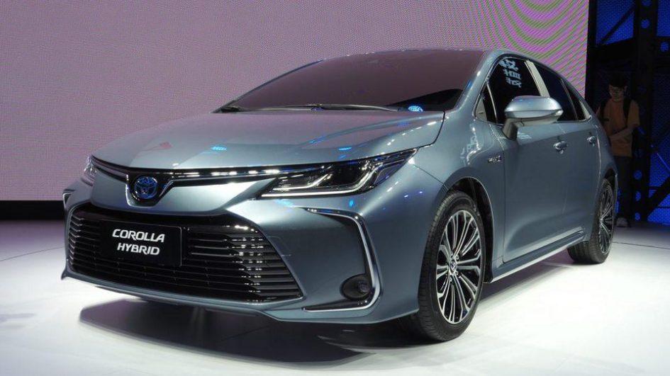 Гибридные версии автомобилей Toyota фото
